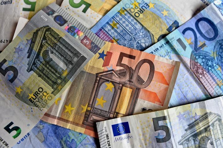 money-3481699_1280